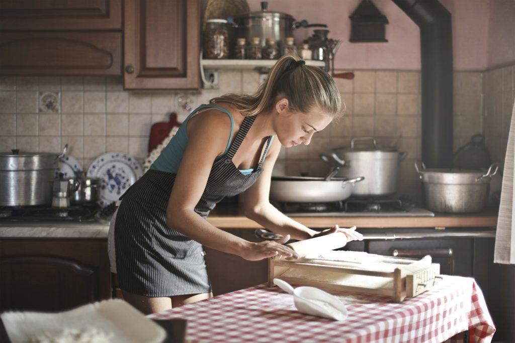 cooking-and-eating-mental-health-wellness-microdosing-magic-mushrooms-1